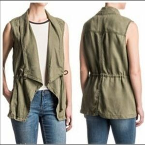 Fashion utility vest in olive